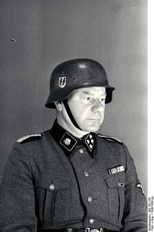 Bundesarchiv_Bild_192-128,_KZ_Mauthausen,_Ewald_Krebsbach.jpg