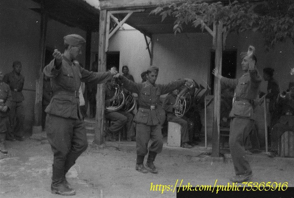 Обдурили немцев, обдурили румын, но пришла коушская рота татарских карателей.