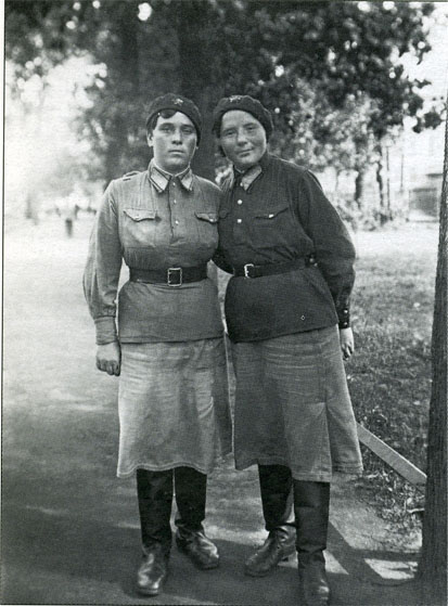 military_woman_ussr_army_000027_960.jpg