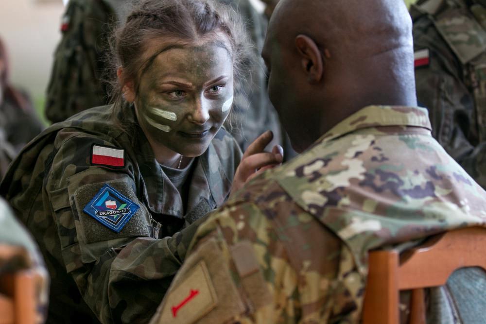 Женская армия. ( 55 фото ) 4gRcSNT.jpg
