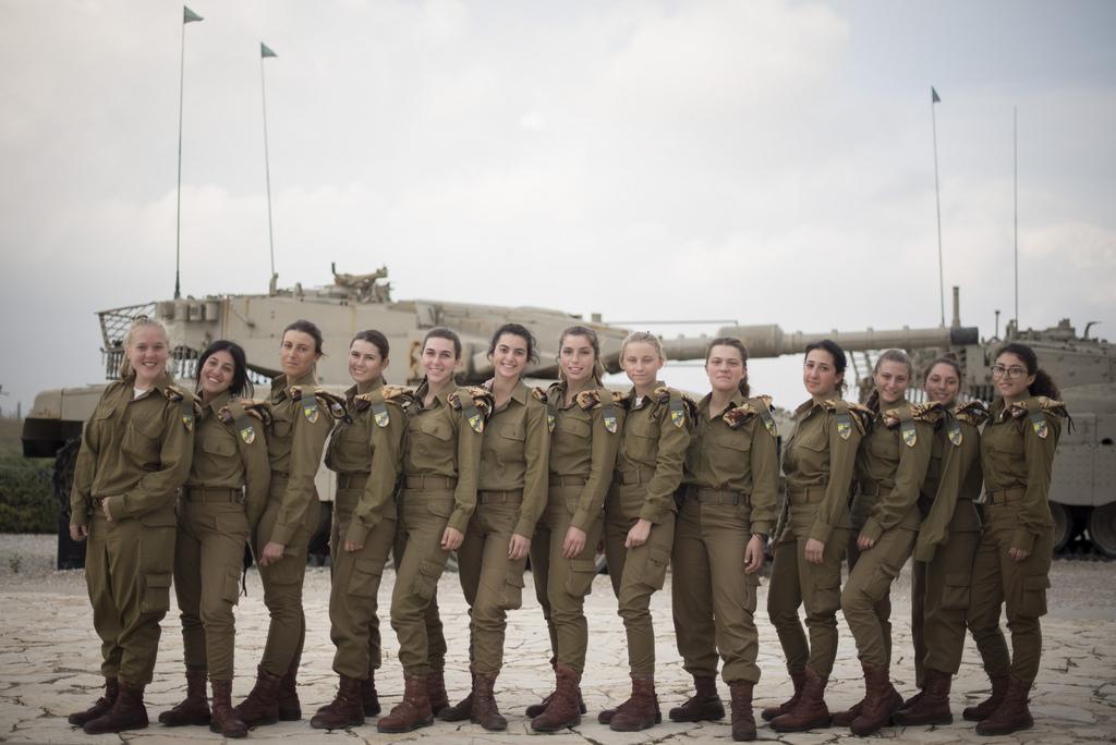 Женская армия. ( 55 фото ) 24890053127_d7dd0a2a38_b.jpg