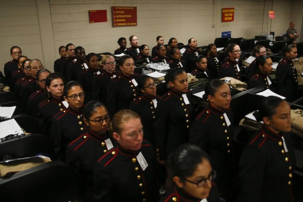 Женская армия. ( 55 фото ) Egqxmfj.jpg