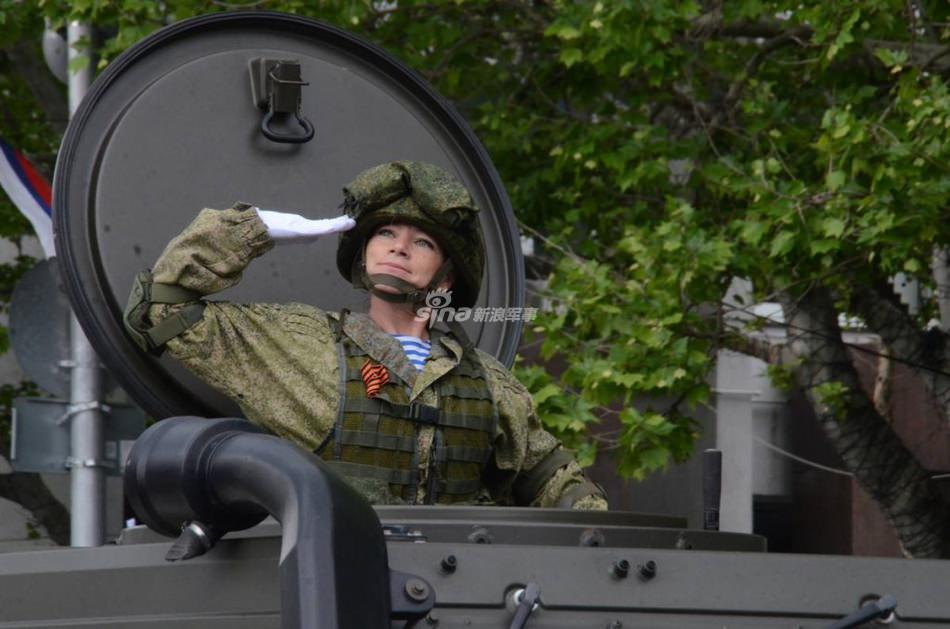 Женская армия. ( 55 фото ) Erm1Oj5.jpg