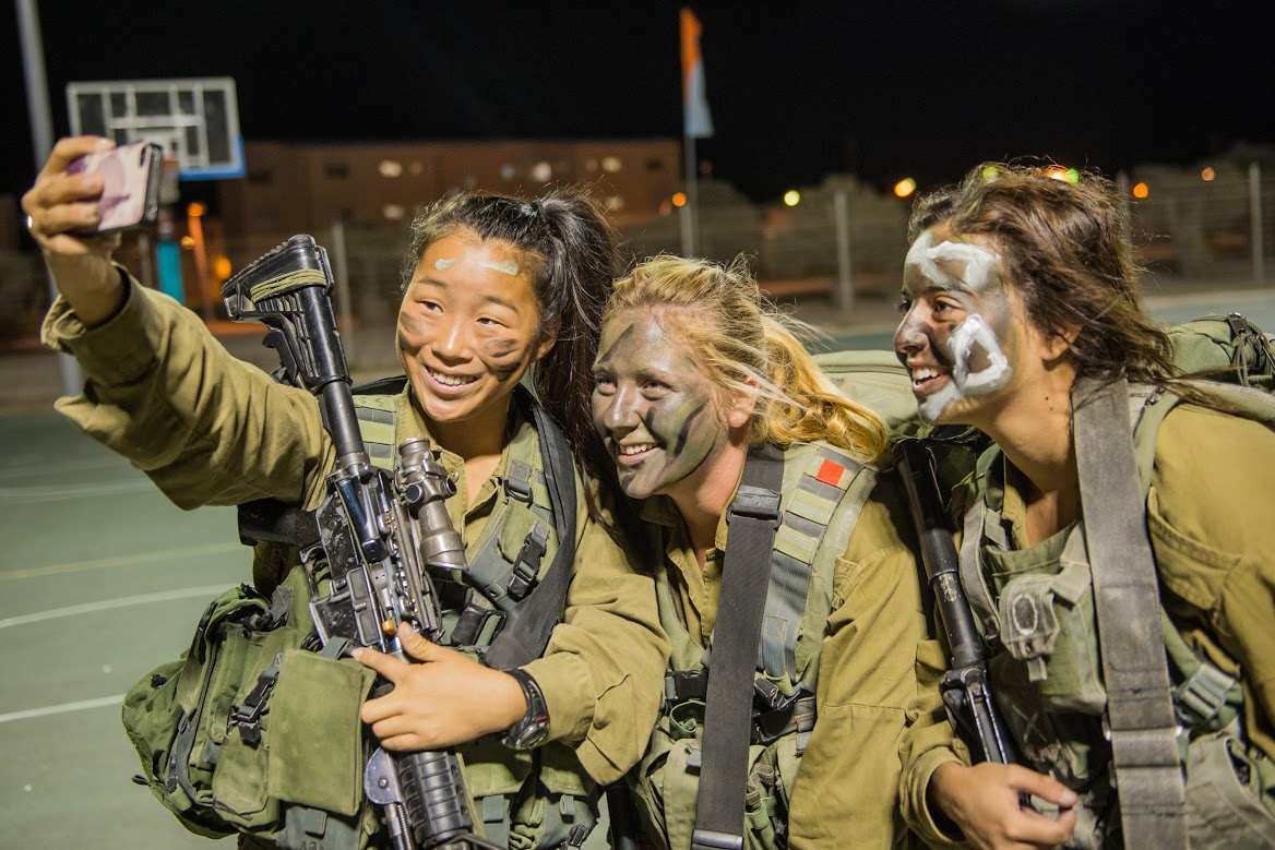 Женская армия. ( 55 фото ) guVWJYj.jpg