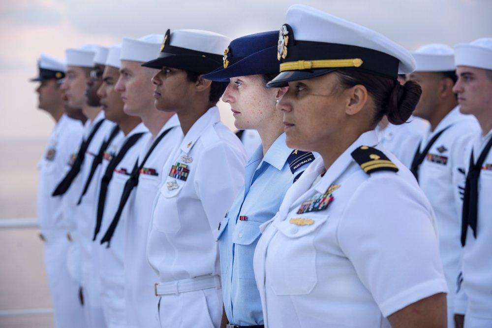 Женская армия. ( 55 фото ) jeweuWc.jpg