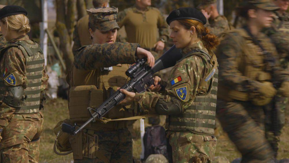 Женская армия. ( 55 фото ) M7Fq5Rq.jpg