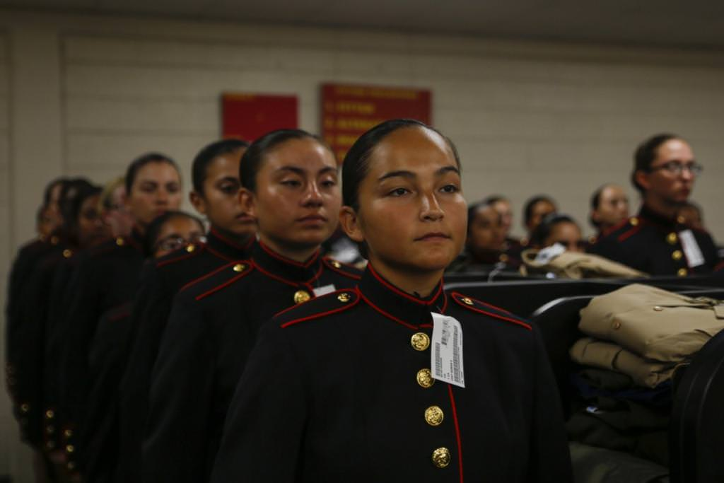 Женская армия. ( 55 фото ) mB7oFBE.jpg