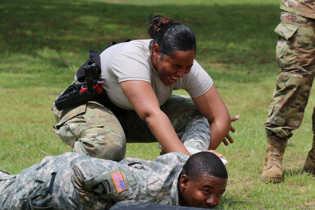 Женская армия. ( 55 фото ) O2gi11e.jpg