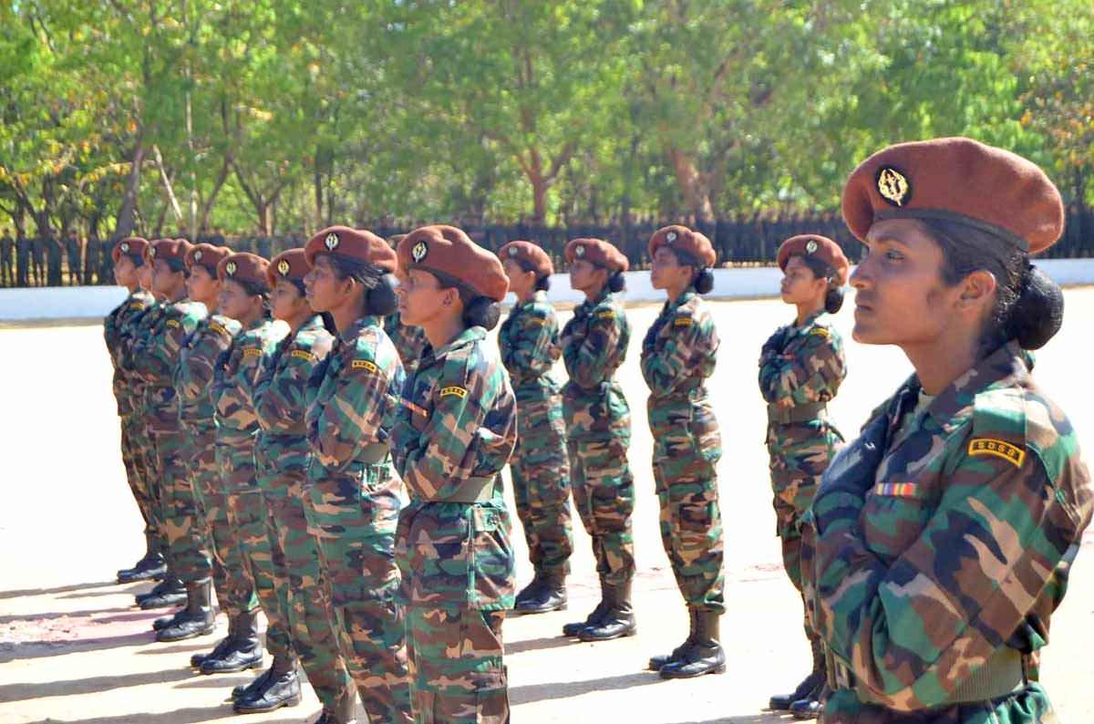 Женская армия. ( 55 фото ) VSUzCxD.jpg
