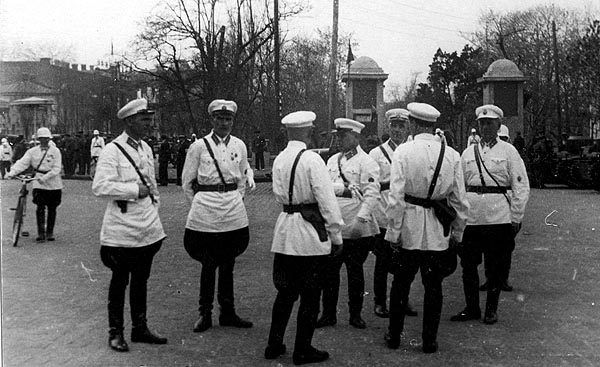 Militiamen-Kharkov-1930s-1.jpg