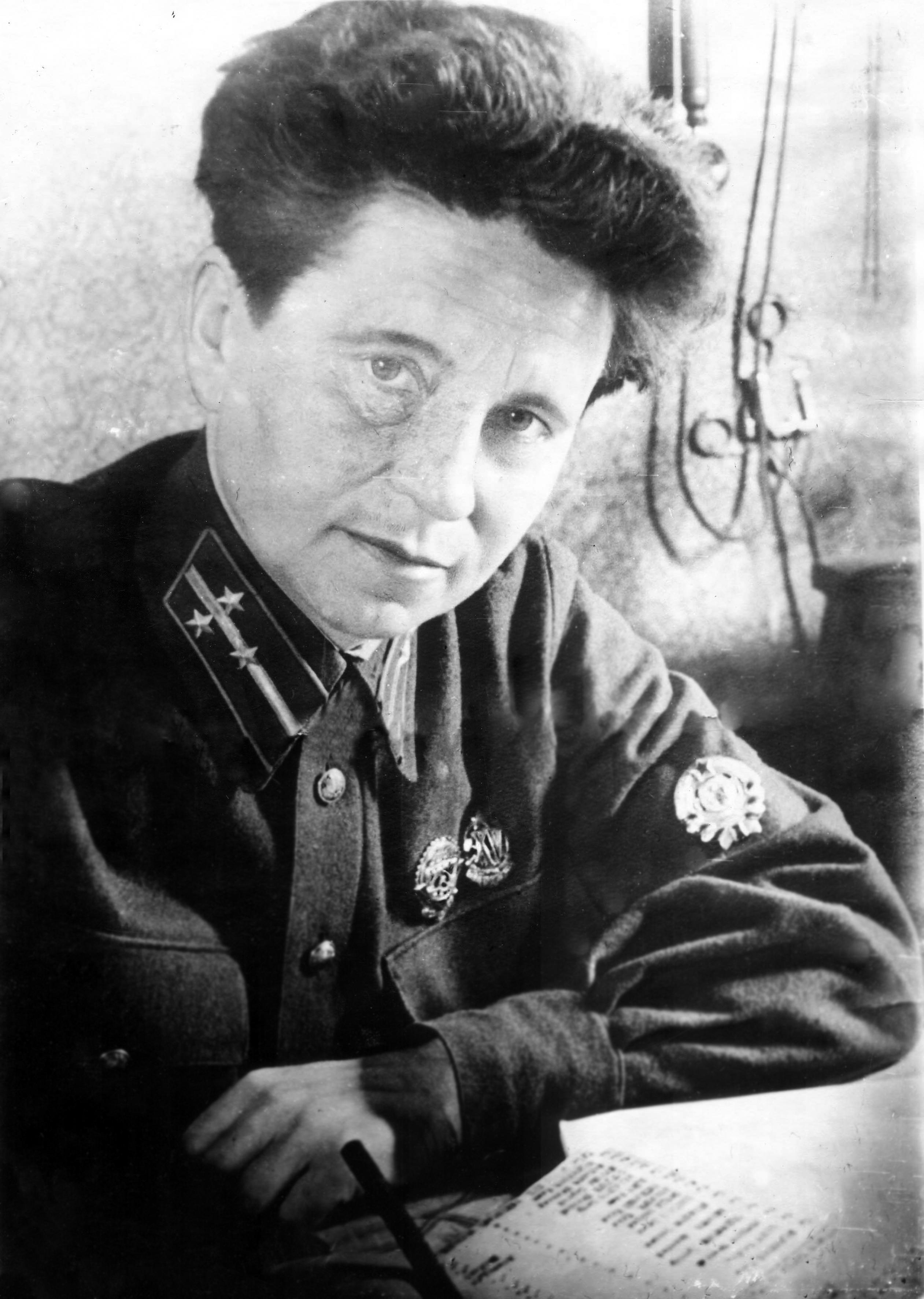 onushonok-paulina-ivanovna-nach-11-go-otdeleniya-milicii-leningrada-1937-god.jpg
