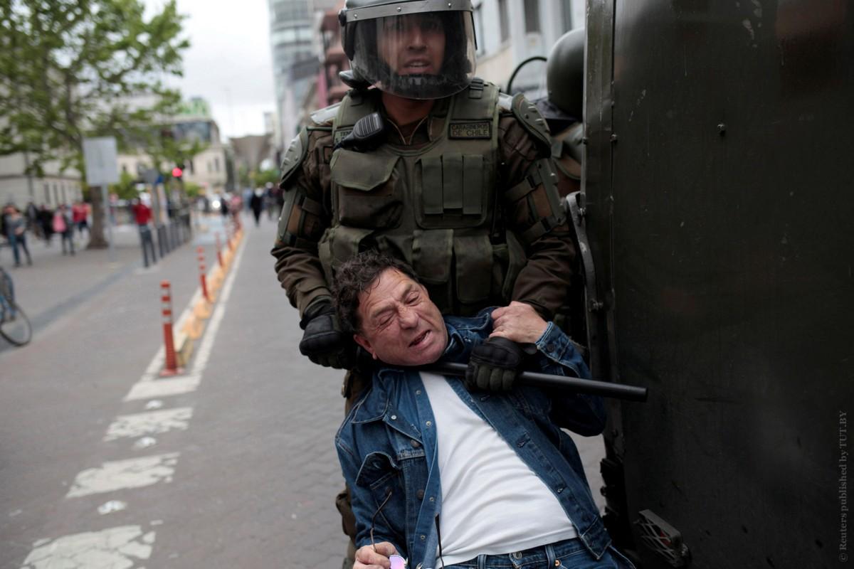 2019-10-19t000000z_1024891234_rc1e5e5ca710_rtrmadp_3_chile-protests.jpg