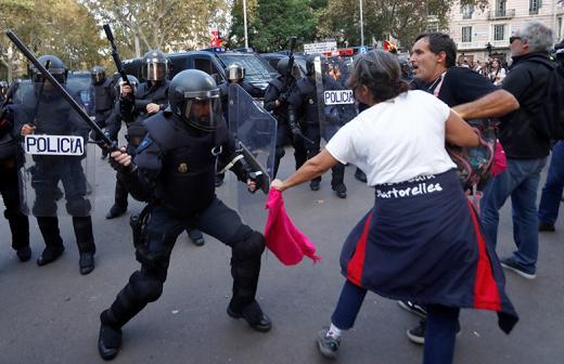 2019-10-19T163316Z_2073086277_RC1EE7E7B310_RTRMADP_3_SPAIN-POLITICS-CATALONIA-PROTEST.jpg
