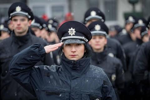 12861495-patrulnuyu-policiyu-borispolya-vpervye-.jpg