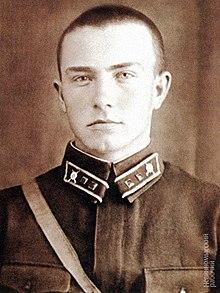 220px-Виктор_Георгиевич_Куликов_в_1941_году.jpg