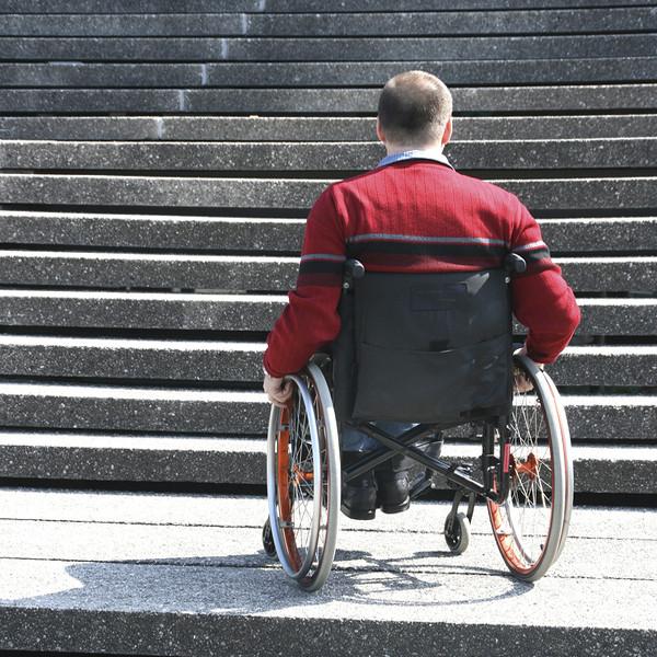 Wheelchair-face-staircase-2
