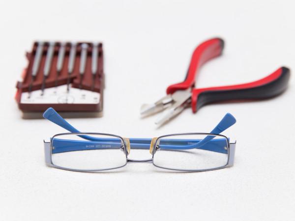 инструменты для ремонта очков