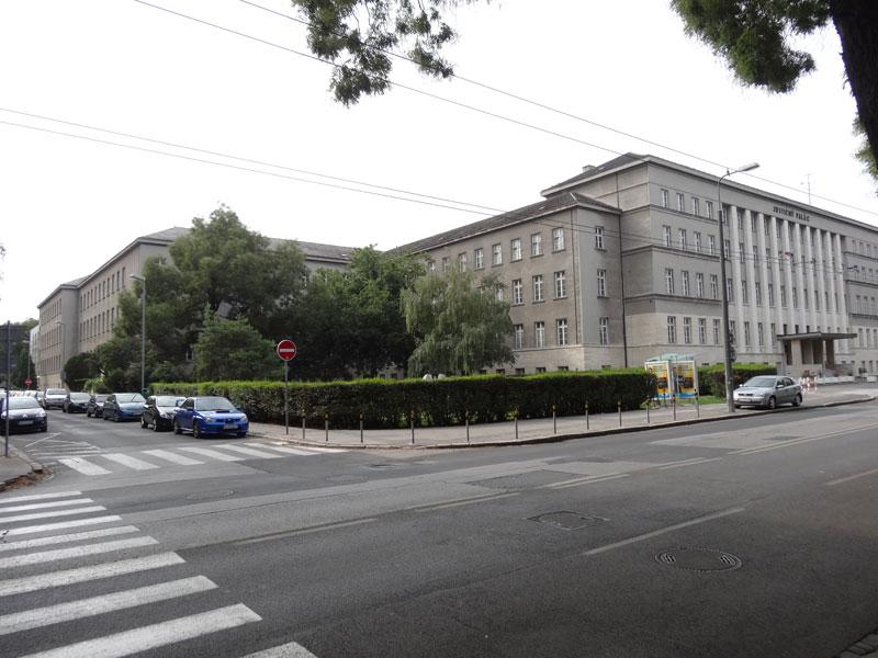 Пустые улицы Братиславы