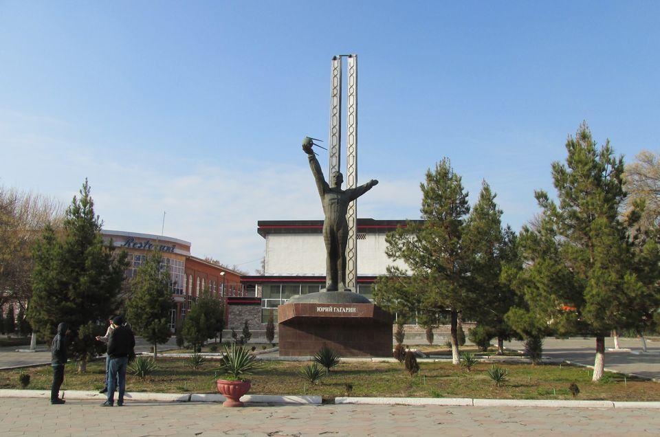 Памятник Юрию Гагарину в Ташкенте