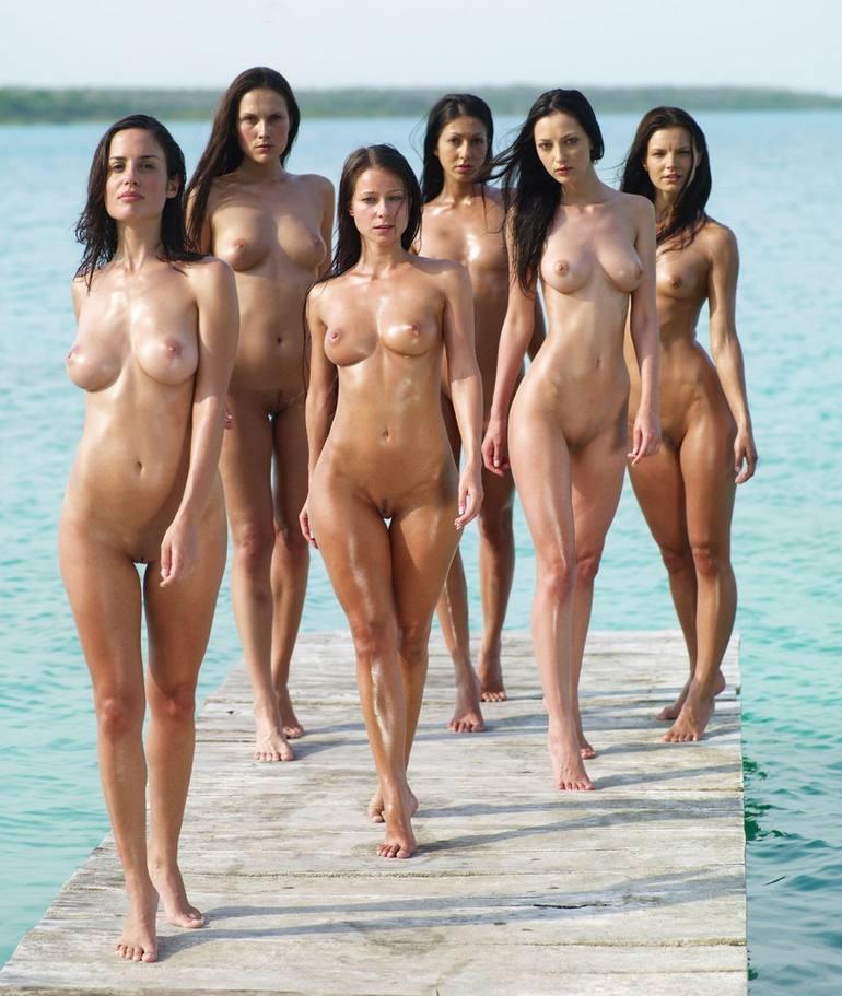 дивчата голые фото