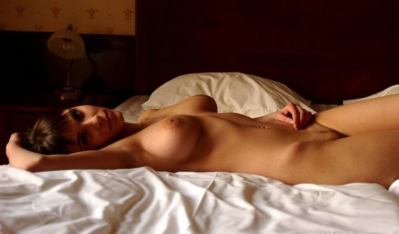 stat-seksi-v-posteli