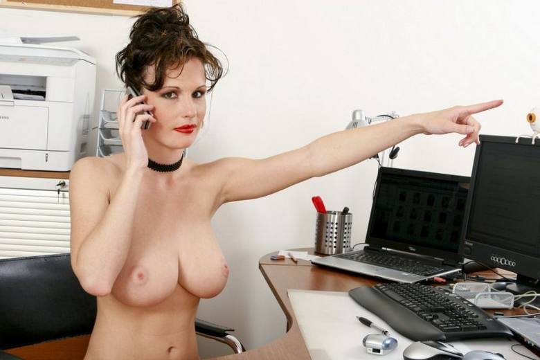 фото обнаженных секретарш