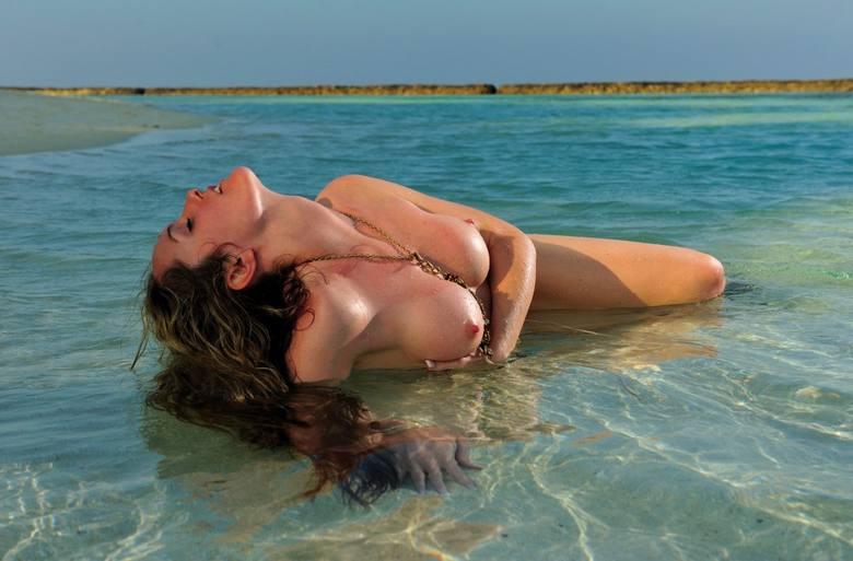 фото голых девушек турции
