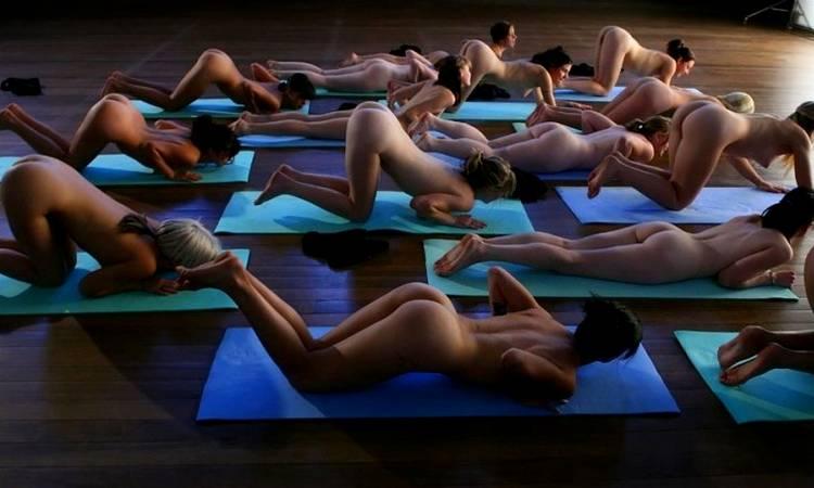 голая йога онлайн девушки видео что ненавидел