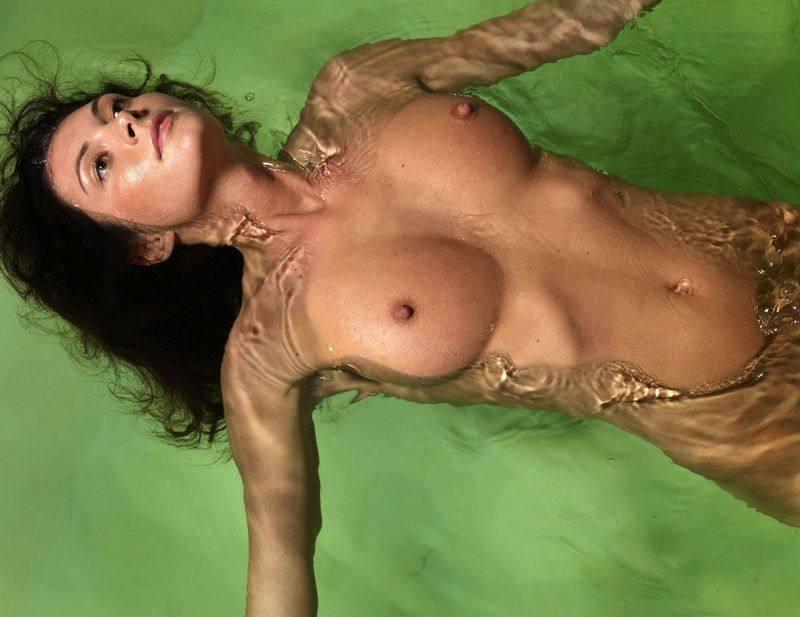 Фото девушек голие грудь 4 размера 17 фотография
