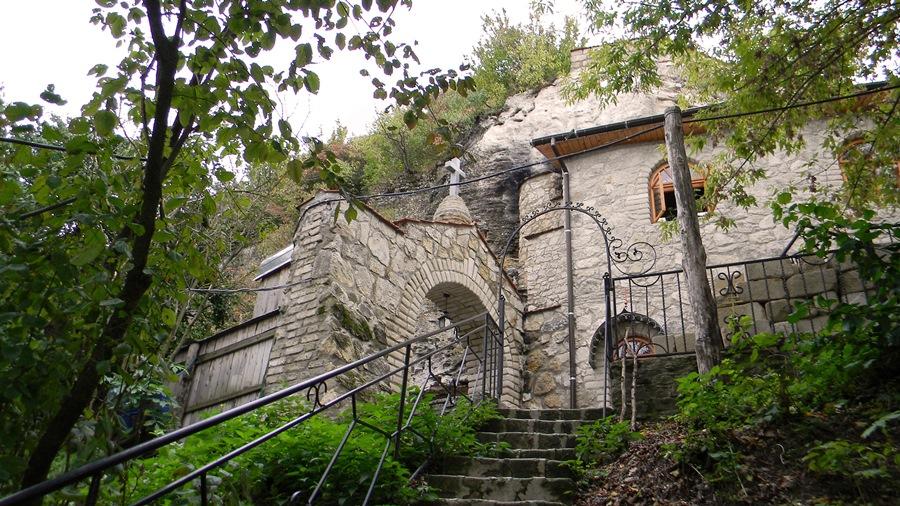 Скальный Николаевский (Галицкий) мужской монастырь