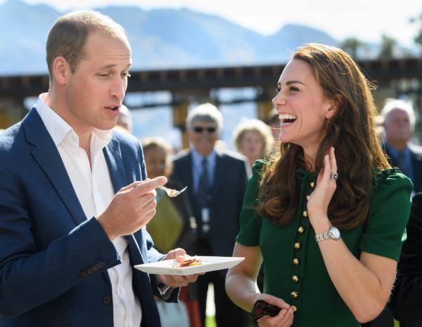 Prince-William-Kate-Middleton-Laughing-Tour-2016 (3)