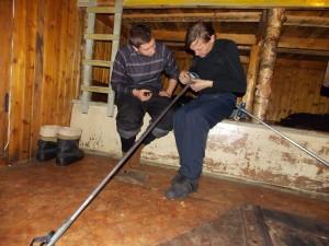 Мастерская по ремонту лыжных палок из подручных материалов