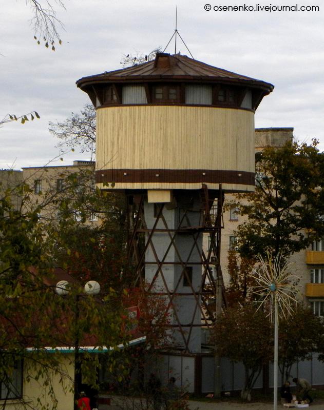 Водонапорная башня конструкции Шухова в Пуховичах.  Фото 2010 г.