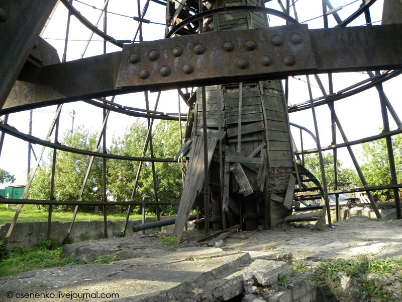Состояние конструкций башни Шухова в Борисове. Фото 2011 г.