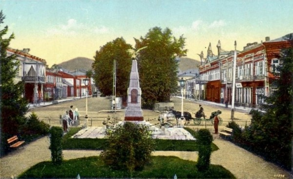 памятник Николаю Лико и Архипу Осипову