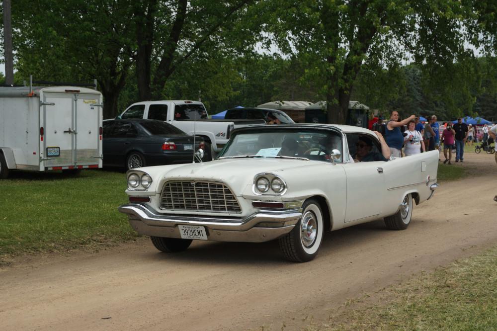 Баржа 1957 Chrysler 300-C