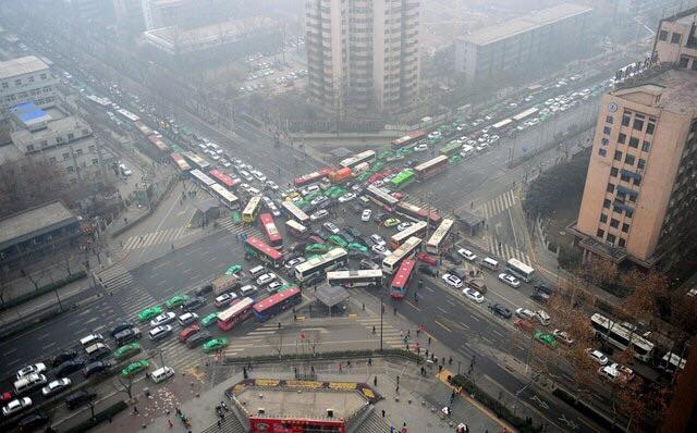Сиань, Китай. Небольшой затор.