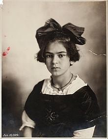 220px-Guillermo_Kahlo_-_Frida_Kahlo,_June_15,_1919_-_Google_Art_Project
