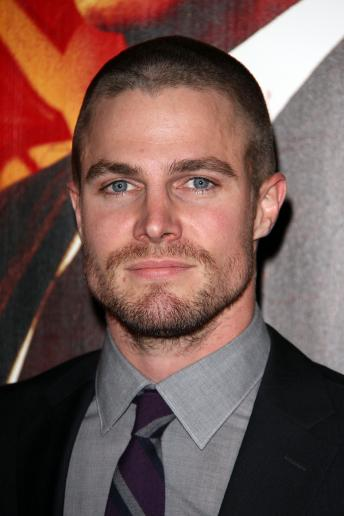 stephen-amell-pic_344x516