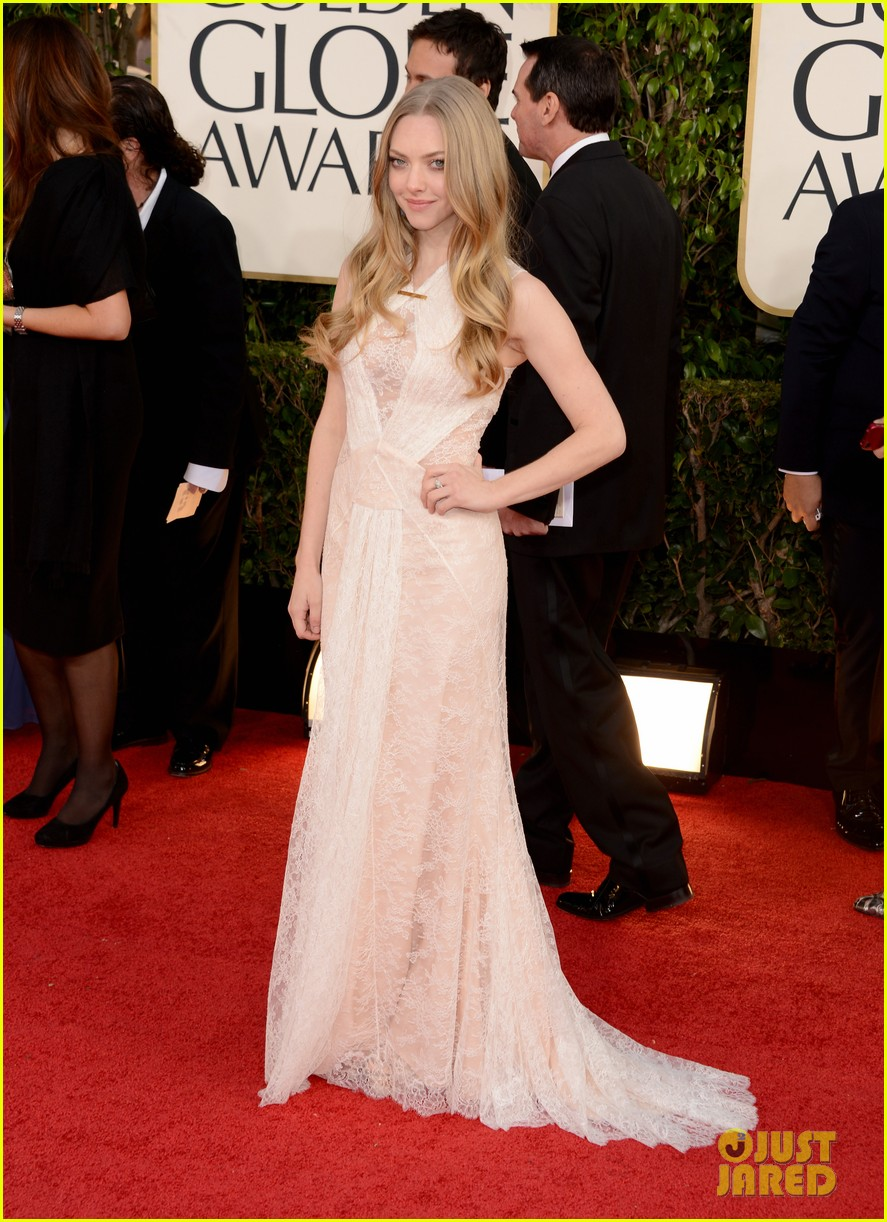 amanda-seyfried-golden-globes-2013-red-carpet-01