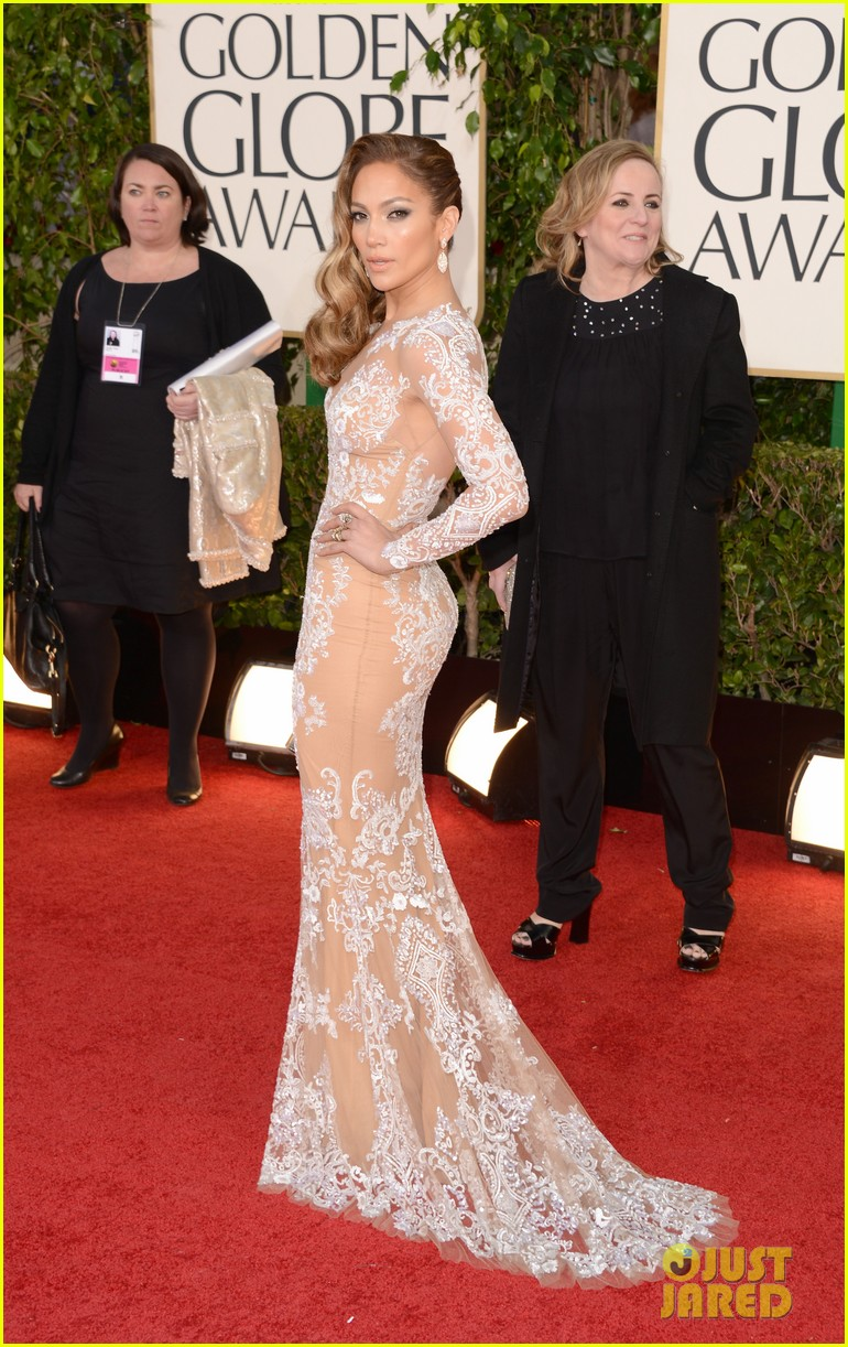 jennifer-lopez-golden-globes-2013-red-carpet-03