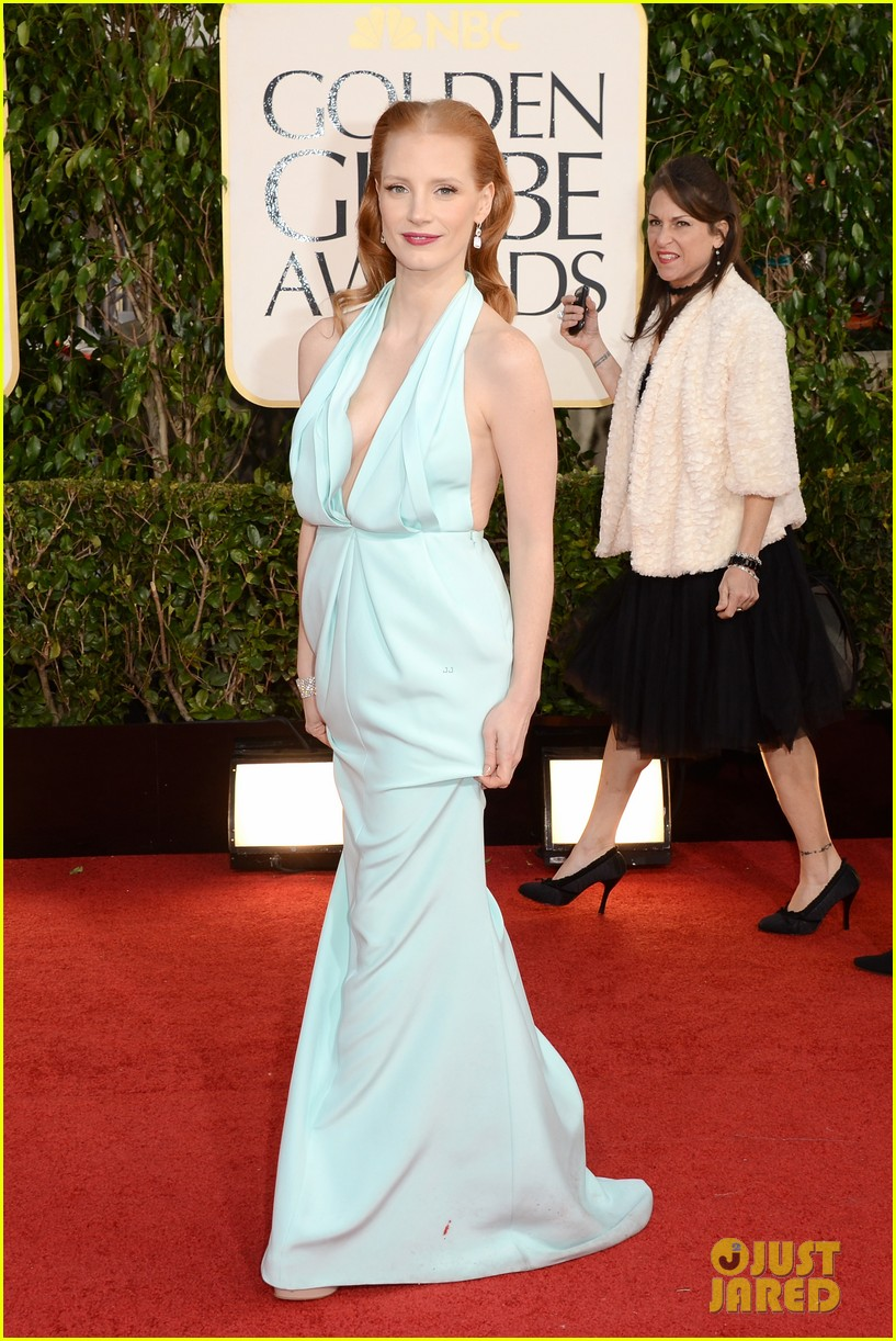 jessica-chastain-golden-globes-2013-red-carpet-02