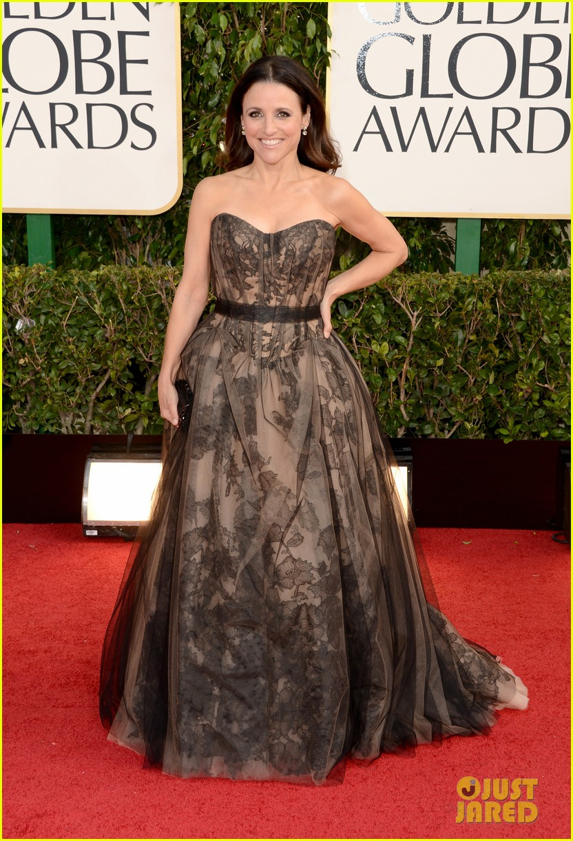 julia-louis-dreyfus-golden-globes-2013-red-carpet-01