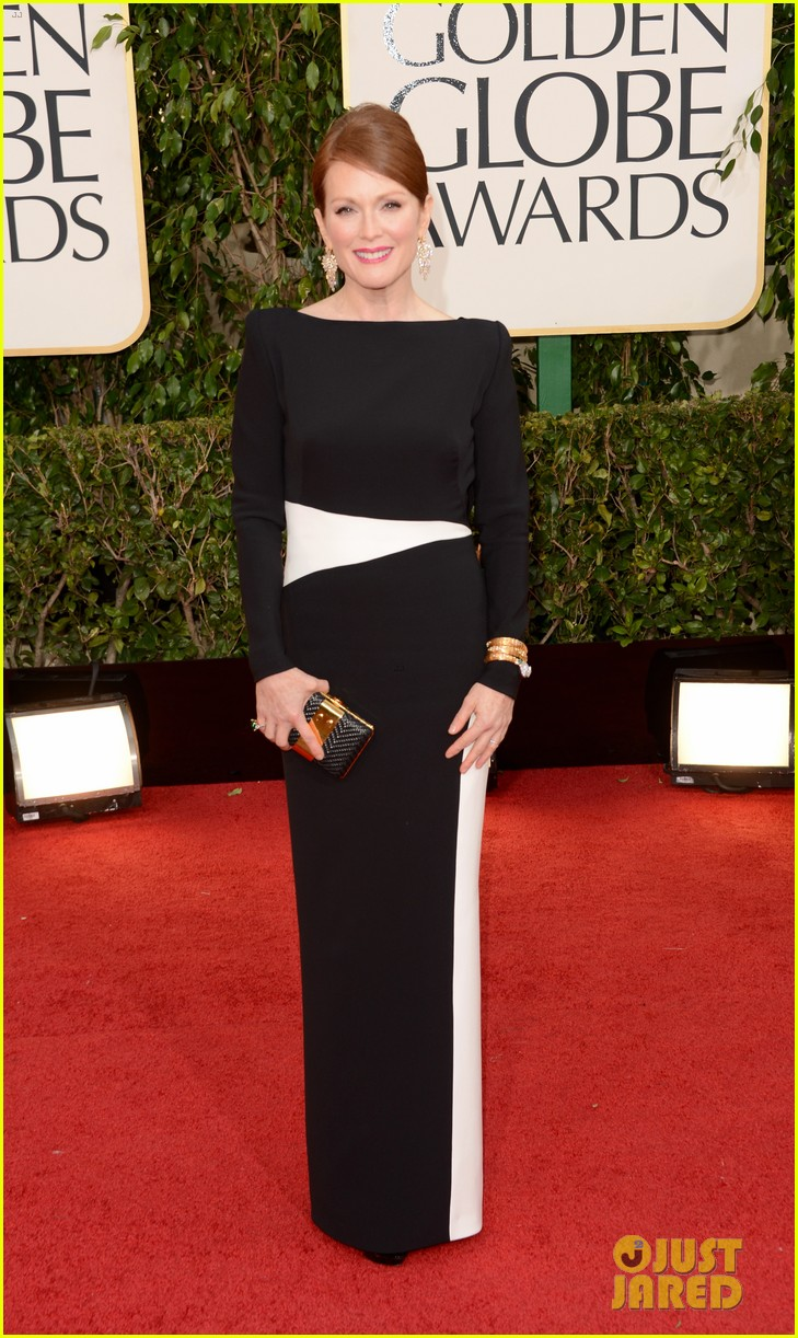 julianne-moore-ferguson-golden-globes-2013-red-carpet-01