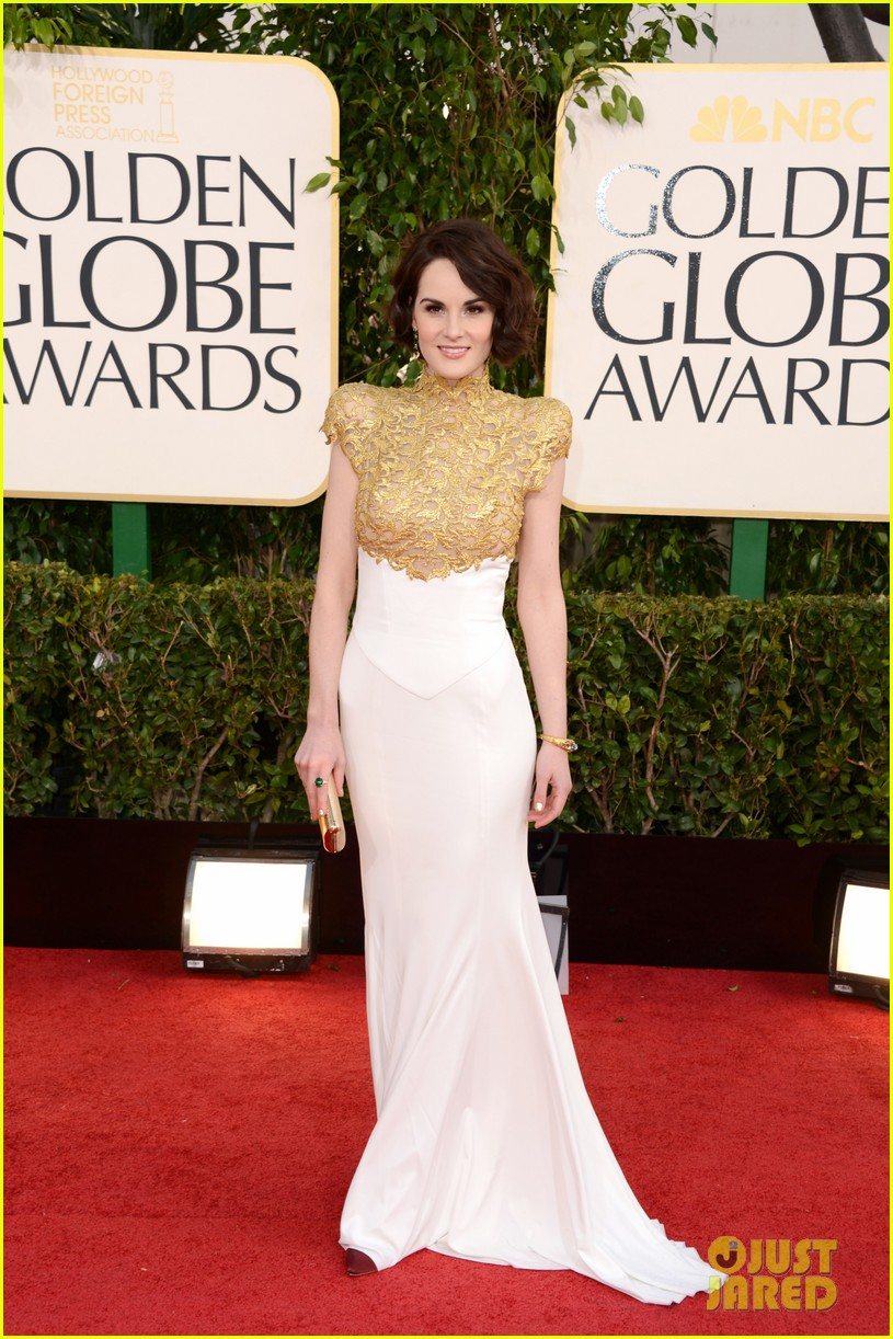 michelle-dockery-golden-globes-2013-red-carpet-02