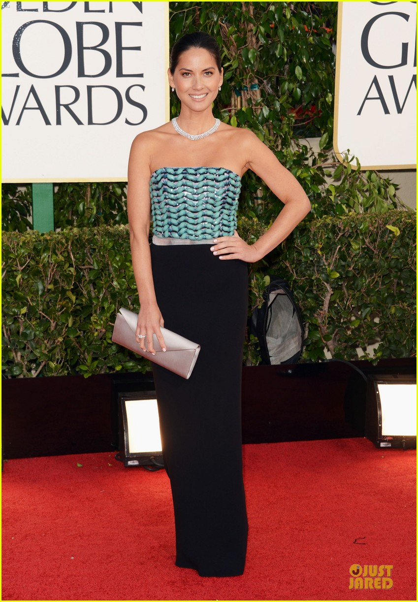 olivia-munn-golden-globes-2013-red-carpet-01 (1)