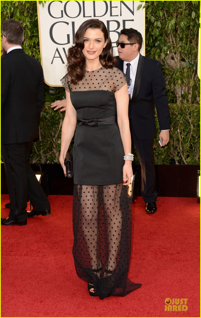 rachel-weisz-daniel-craig-golden-globes-2013-red-carpet-01