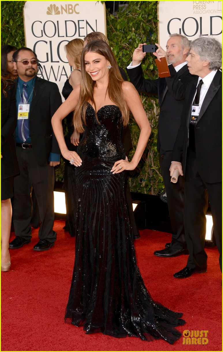 sofia-vergara-golden-globes-2013-red-carpet-01