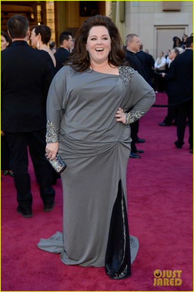 melissa-mccarthy-oscars-2013-red-carpet-03