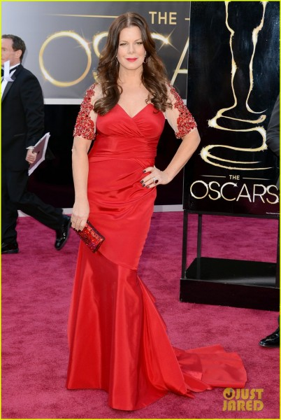 marcia-gay-harden-oscars-2013-red-carpet-02